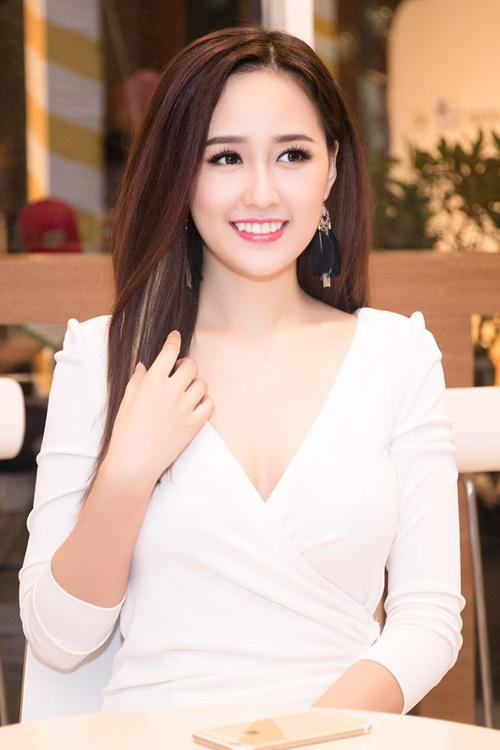 Những HÀM RĂNG ĐẸP của sao Việt sau niềng răng thẩm mỹ 6