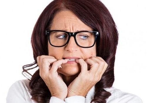 Thực hiện cách làm răng hết hô tại nhà hiệu quả ra sao? 1